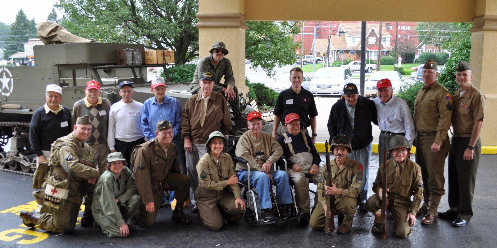 veterans and reenactors (2) - outside Quality Inn.JPG