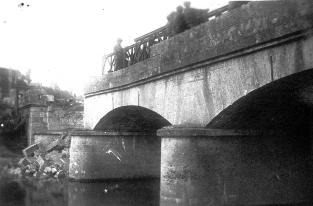 July 44 - collapse of bridge - no vehicles on board - 3 of 4